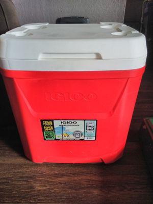 IGLOO WHEELED COOLER for Sale in Denver, CO