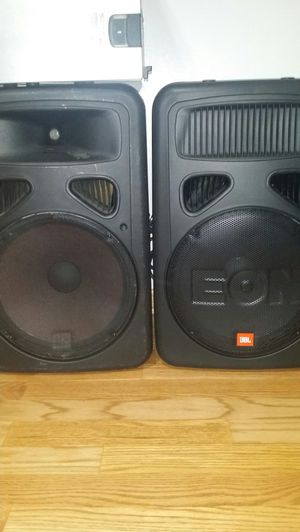 2 JBL ( G2 ) 15inch power speakers and 15inch supwooper. Everything is working very good. for Sale in Carol Stream, IL