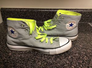 Size 8 women's converse for Sale in Chevy Chase, MD