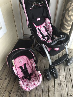 Minnie Mouse stroller travel system for Sale in Herndon, VA