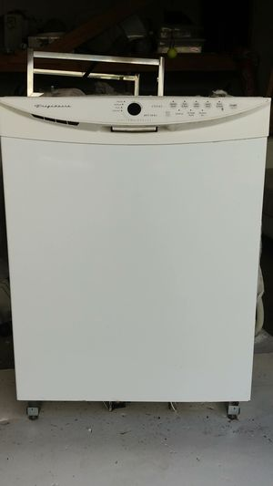 Frigidaire Gallery Series Dishwasher 24in. for Sale in Santa Monica, CA