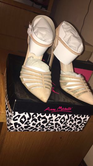 Anne Michelle Heels Size 8 1/2 for Sale in Boston, MA