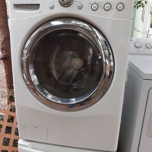 Lg Front Load Washer for Sale in Fort Walton Beach, FL