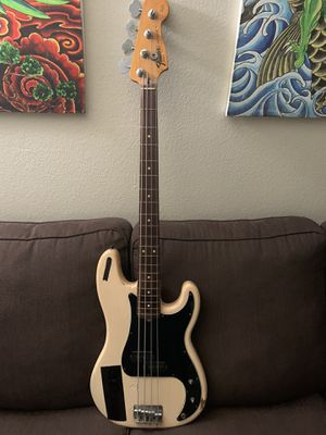 Fender squire bass guitar for Sale in San Diego, CA