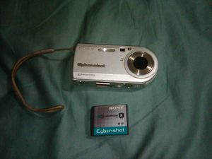 Sony DSC-P100 cybershot digital camera. 5.1 mp for Sale in Homestead, FL