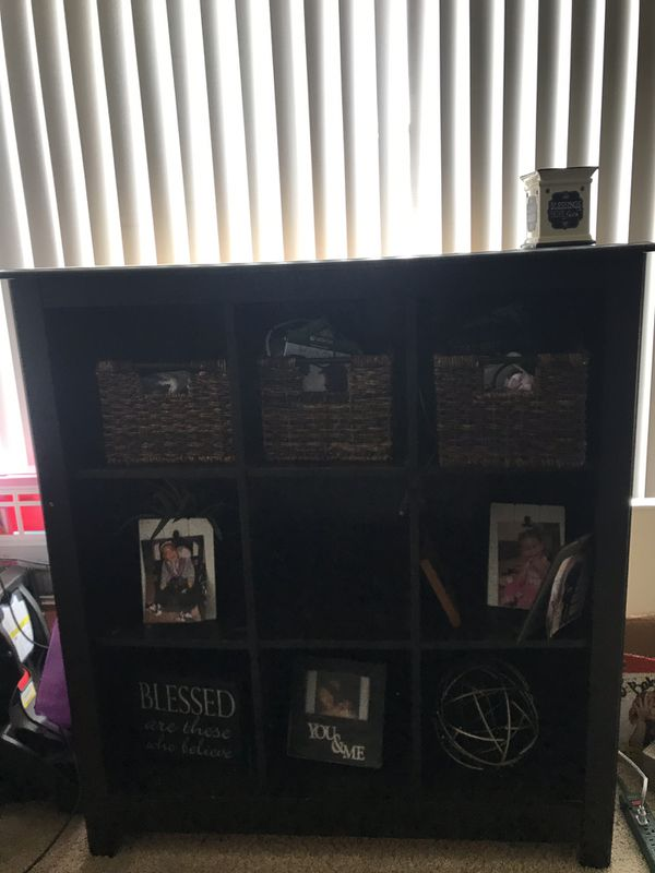 TV stand/Bookcase/9 cube shelf MOVE OUT SALE