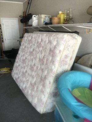 Queen bed with box spring and frame for Sale in Babson Park, FL