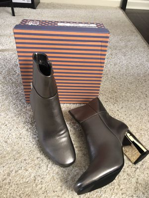 Grey ankle boots NWT for Sale in Arlington Heights, IL