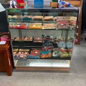 2 Glass Displays for Sale in West Linn, OR