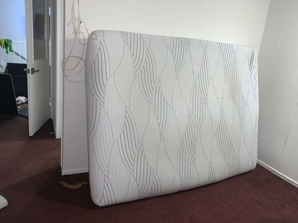 "Serta ""full"" memory foam mattress"
