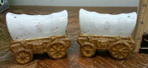 Vintage salt and pepper shakers for Sale in Darien, IL