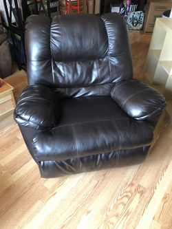 Leather Recliner for Sale in Morgantown,  WV