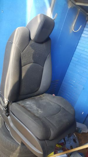 LEFT FRONT SEAT for Sale in Sylmar, CA