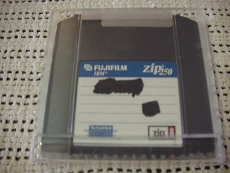 Iomega Zip Drive 250 for Sale in Kissimmee,  FL