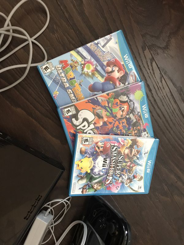 Nintendo Wii U 32gb Console w/ 3 Games and additionals