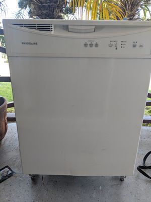 Dishwasher Frigidaire for Sale in Long Beach, CA
