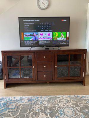 Solid Wood | Modern | Tv Stand. for Sale in Palos Verdes Estates, CA
