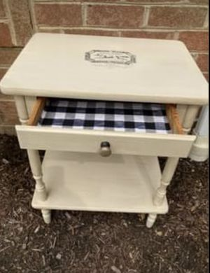 Side Table for Sale in Mechanicsburg, PA