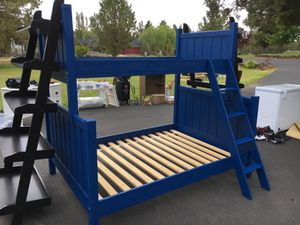 Pottery Barn. Bunk Bed. Twin over Full for Sale in Bend, OR
