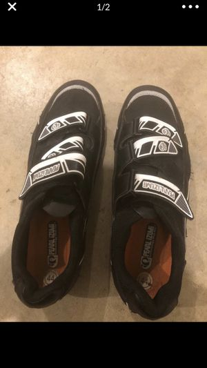 TradeTwo pairs of Pearl Izumi Bike Shoes trade for golf bag cart for Sale in West Linn, OR