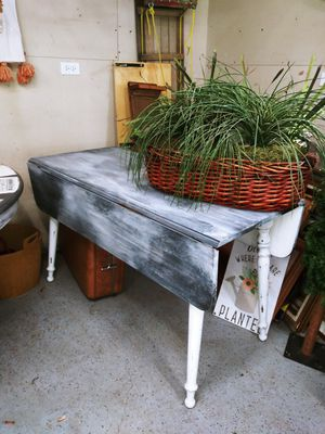 Vintage Distressed Farmhouse Country Kitchen Table! Drop Leaf solid wood. for Sale in Joliet, IL
