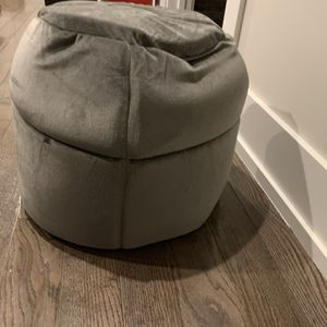 Small Dog Igloo House for Sale in Chicago, IL