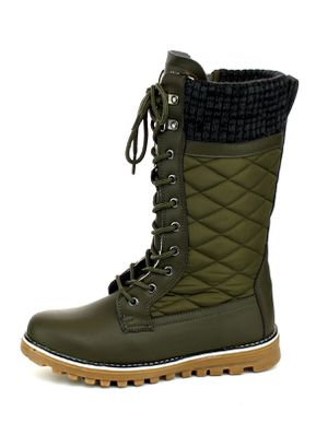 Snow boots for women 5.5,6,6.5,7,7.5,8,8.4,9,10 for Sale in Bell Gardens, CA