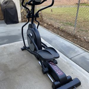 Sole E20 Elliptical Exercise Machine for Sale in Upland, CA