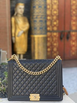 Chanel boy bag large for Sale in Beverly Hills, CA