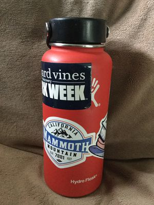 Hydro Flask 32oz wide mouth Lava Red for Sale in Edmonds, WA