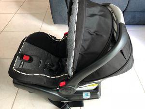 Graco SNUGRIDE 35LX clickConnect Car seat for Sale in Miami, FL