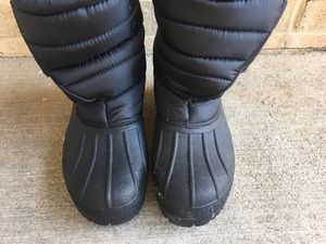 Snow boots size 9 black for Sale in MONTGOMRY VLG, MD