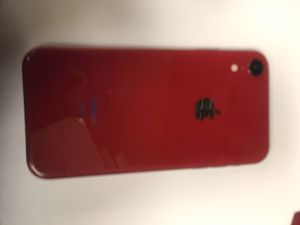 I Phone XR (Red) for Sale in Rustburg, VA