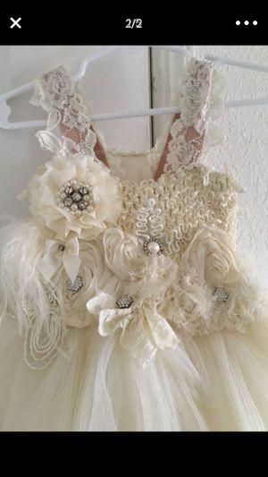 Girls 3-5t flower girl dress for Sale in Fresno, CA