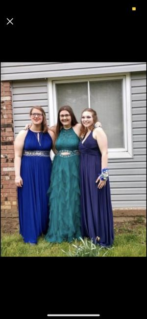 Prom dress/middle size 13/12 for Sale in Elyria, OH