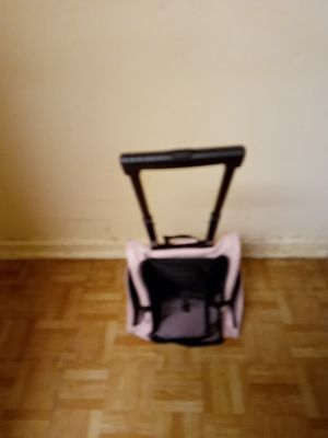 Small cat or small dog carrier with wheels for Sale in Bayonne, NJ