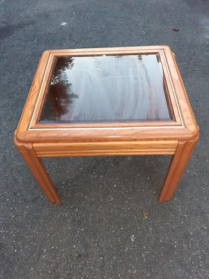 Wooden and glass end table for Sale in Woodbury, NJ