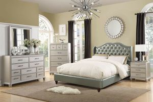 GLAM STYLE 4 PIECE FULL SIZE BEDROOM SET DRESSER MIRROR NIGHT STAND for Sale in Irvine, CA