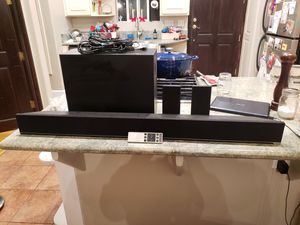 "Vizio 42"" soundbar + wireless subwoofer + 2 satellite speakers for Sale in San Diego, CA"