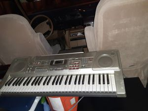 Casio keyboard for Sale in Bakersfield, CA