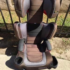 Graco TurboBooster Highback LX Booster Car Seat for Sale in Los Angeles, CA