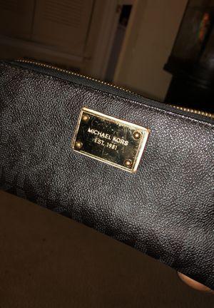 MK wallet.. real deal Autthentic! for Sale in Atlanta, GA