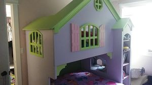 Doll house loft or bunk bed for Sale in Maple Valley, WA