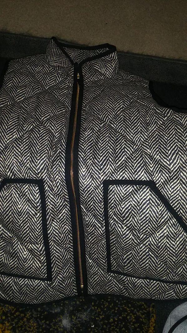 JCrew women's puffer vest. Size M
