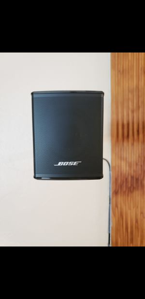 Bose 300 Surround Speakers with Two Wall Mounts for Sale in Pembroke Pines, FL
