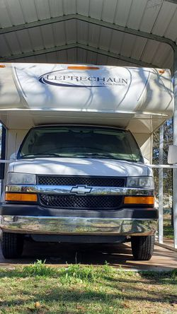Coachmen Leprechaun 320BH 24k Miles Only for Sale in Kissimmee,  FL