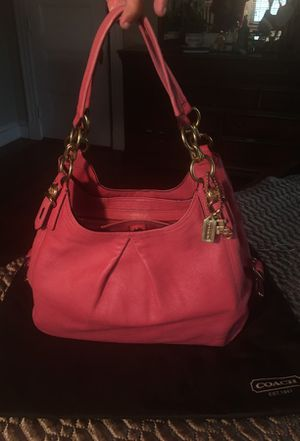 Authentic Pink patent leather coach purse, never used for Sale in Brockton, MA