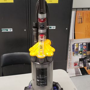 Dyson Vac. for Sale in Santa Fe Springs, CA