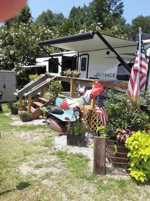 2019 Keystone Outback 330RL travel trailer for Sale in Gilbert, SC