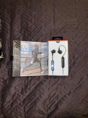 Brand new jbl Bluetooth headphones for Sale in Hanford, CA